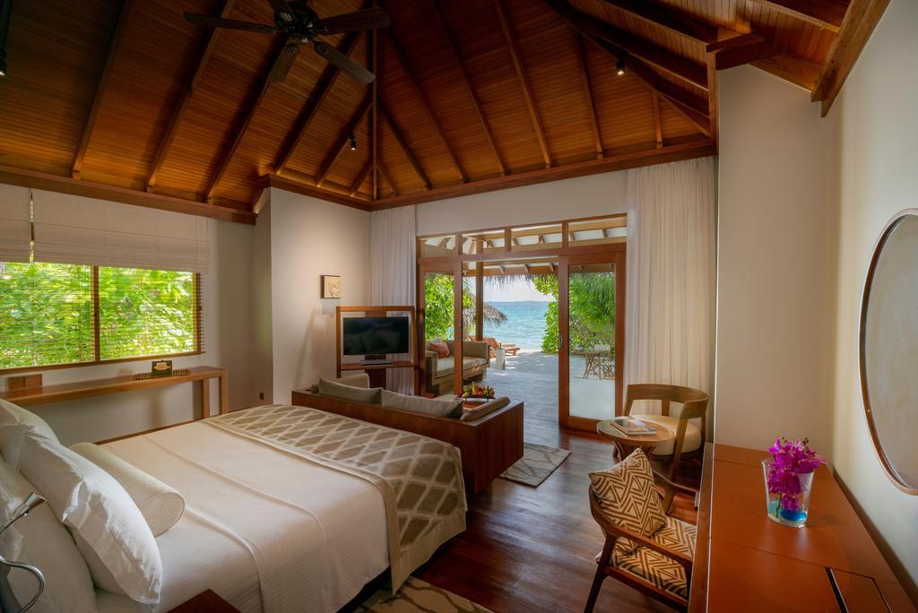 Baros Maldives Delux Villa